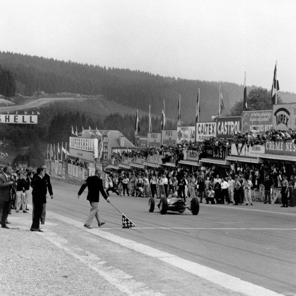 Spa-Francorchamps, Belgium. 15th - 17th June 1962.Jim Clark (Lotus 25-Climax), 1st position, action. World Copyright: LAT Photographic.Ref: 14099.