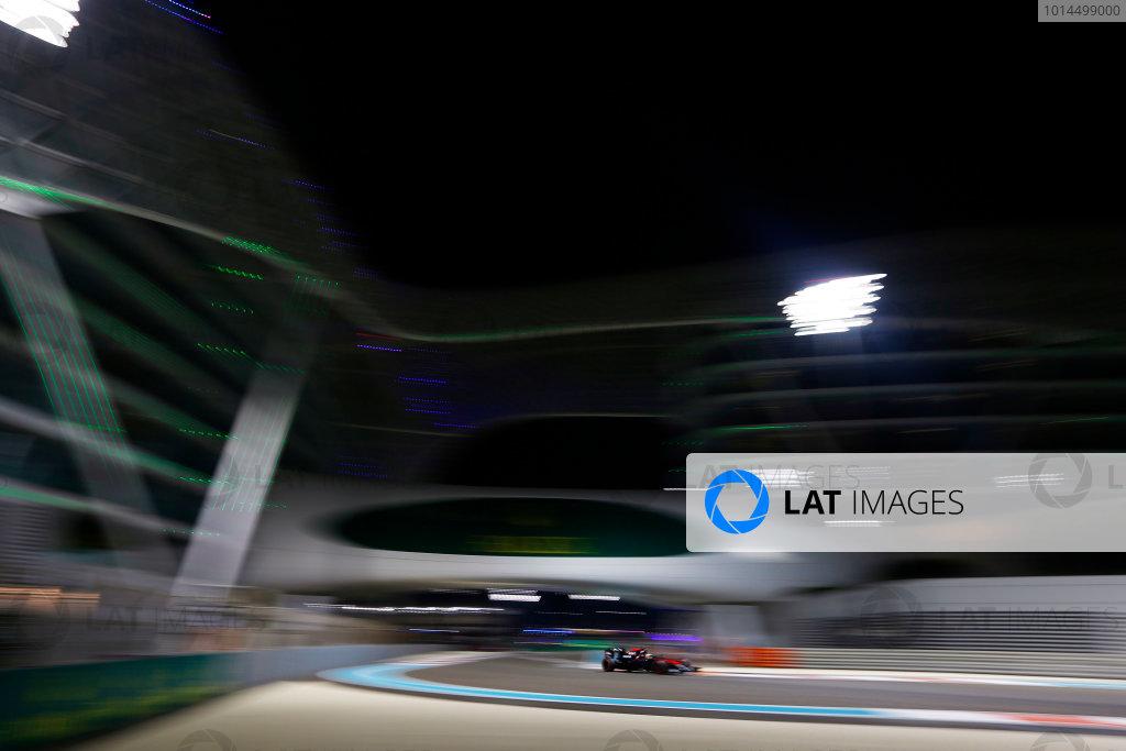 Yas Marina Circuit, Abu Dhabi, United Arab Emirates. Friday 27 November 2015. Fernando Alonso, McLaren MP4-30 Honda. World Copyright: Charles Coates/LAT Photographic ref: Digital Image _99O7497
