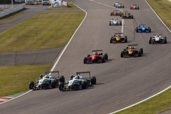 2015 Japanese Formula 3 Championship. Suzuka, Japan. 18th - 19th April 2015. Rd 1 & 2. Rd.1 Start of the race action World Copyright: Yasushi Ishihara/LAT Photographic. Ref: 2015JF3_Rd1&2_002