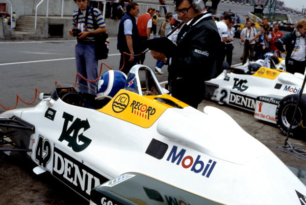 1983 European Grand Prix.Brands Hatch, Kent, Great Britain. 25 September 1983.Jonathan Palmer, Jacques Laffite and Keke Rosberg (all Williams FW08C-Ford Cosworth) in the pitlane.World Copyright:LAT Photographic