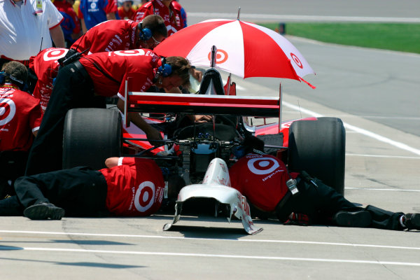 2003 IRL IndyCar Kansas City, 4-6 July 2003Kansas Speedway, Kansas City, KS USAThe rear suspension change in the middle of Friday morning practice paid off for Tomas Scheckter - he posted fastest time next time out on track-2003 Lesley Ann Miller, USALAT Photographic