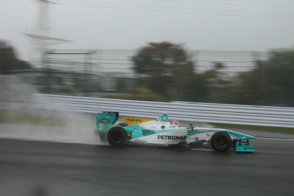 2014 Super Formula Series. Suzuka, Japan. 9th - 10th November 2014. Rd 7. Race 2 - Winner Kazuki Nakajima ( #37 TEAM TOM'S SF14 )  action World Copyright: Yasushi Ishihara / LAT Photographic. Ref:  2014_SF_Rd7_013.JPG