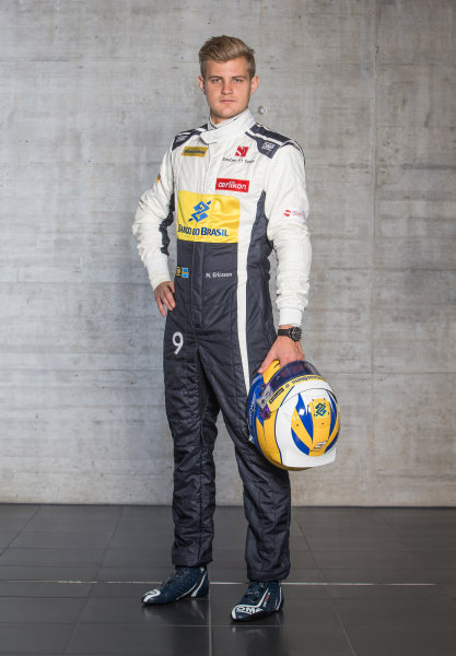 Sauber C34 Reveal. Hinwil, Switzerland. Thursday 29 January 2015. Marcus Ericsson. Photo: Sauber F1 Team (Copyright Free FOR EDITORIAL USE ONLY) ref: Digital Image 20150130_Marcus_Ericsson_Front_w_Helmet