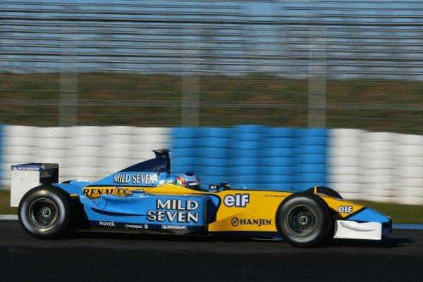 Jarno Trulli (ITA) Renault R202 Formula One Testing , 12 - 15 December 2002Jerez, Spain.DIGITAL IMAGE