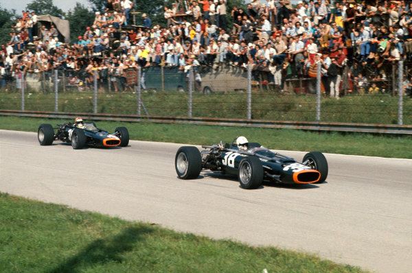 Monza, Italy. 10 September 1967.Chris  Irwin (B.R M. P83), retired, leads team mate, Mike Spence (B.R M. P83), 5th position, action. World Copyright: LAT PhotographicRef: 67ITA12