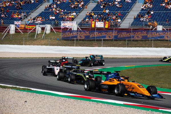 Alexander Peroni (AUS, Campos Racing) and Leonardo Pulcini (ITA, Hitech Grand Prix)