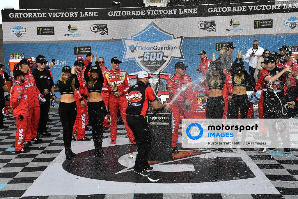 #18: Kyle Busch, Joe Gibbs Racing, Toyota Camry SKITTLES wins