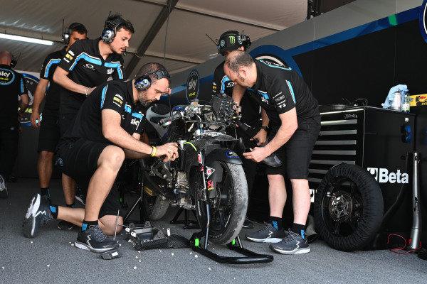 Dennis Foggia, Sky Racing Team VR46, crashed bike.