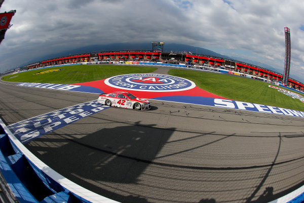 2017 Monster Energy NASCAR Cup Series Auto Club 400 Auto Club Speedway, Fontana, CA USA Sunday 26 March 2017 Kyle Larson drives under the checkered flag to win World Copyright: Russell LaBounty/LAT Images ref: Digital Image 17FON1rl_5733