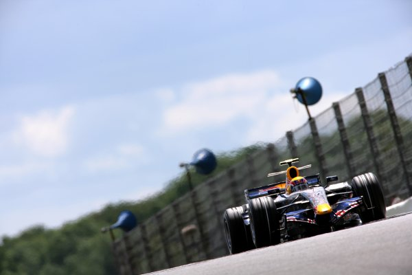 2007 British Grand PrixSilverstone, Northamptonshire, England.6th - 8th July 2007.Mark Webber, Red Bull Racing RB3. Action.World Copyright: Lorenzo Bellanca/LAT Photographicref: Digital Image ZD2J8492