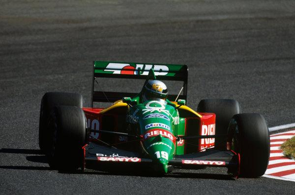 Suzuka, Japan. 20-22 October 1989. Alessandro Nannini (Benetton B189 Ford) 1st position. Action. Ref: 89 JAP 05. World Copyright - LAT Photographic
