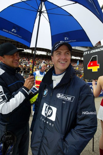 Ralf Schumacher (GER) Williams BMW FW25 on the grid.