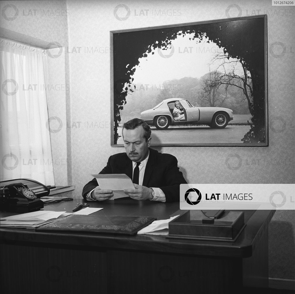 1962 Lotus Factory, Hethel, Norfolk, England.Colin Chapman, founder and team owner, Lotus F1 Racing, portrait.World Copyright: LAT Photographic.Ref:  12089.