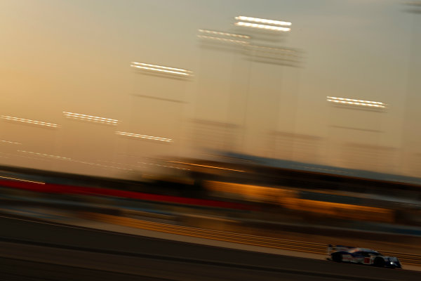 2015 FIA World Endurance Championship Bahrain 6-Hours Bahrain International Circuit, Bahrain Saturday 21 November 2015. Anthony Davidson, S?bastien Buemi, Kazuki Nakajima (#1 LMP1 Toyota Racing Toyota TS 040 Hybrid). World Copyright: Alastair Staley/LAT Photographic ref: Digital Image _R6T0052
