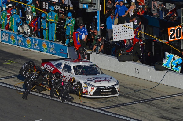 19-20 February, 2016, Daytona Beach, Florida USA Benny Gordon makes a pit stop. ?2016, F. Peirce Williams LAT Photo USA