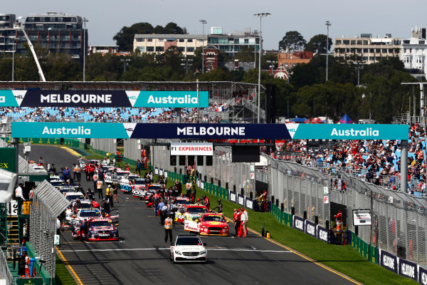 Australian Supercars Series Albert Park, Melbourne, Australia. Sunday 26 March 2017. Race 4. The busy pre race grid. World Copyright: Zak Mauger/LAT Images ref: Digital Image _56I0128