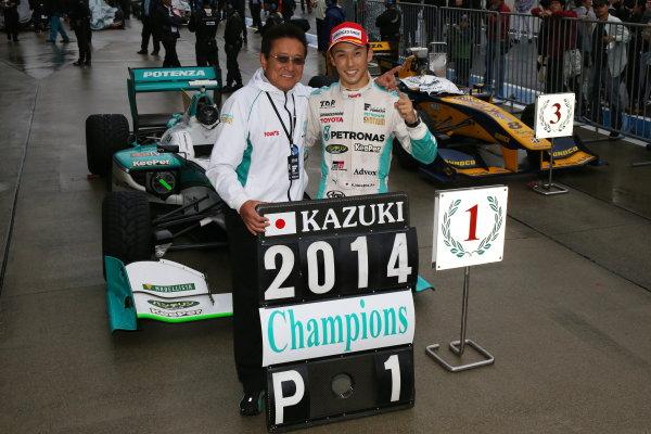 2014 Super Formula Series. Suzuka, Japan. 9th - 10th November 2014. Rd 7. Race 2 - Winner Kazuki Nakajima ( #37 TEAM TOM'S SF14 ) parc ferme portrait World Copyright: Yasushi Ishihara / LAT Photographic. Ref:  2014_SF_Rd7_019.JPG