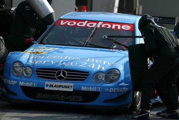 Pitstop of Gary Paffett (GBR), Service 24h AMG-Mercedes, Mercedes-Benz CLK-DTM. DTM Championship, Rd 8, A1-Ring, Austria. 07 September 2003. DIGITAL IMAGE