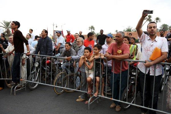 Fans. FIA Formula Two Championship, Rd2,  Marrakech, Morocco. Thursday 29 April 2010