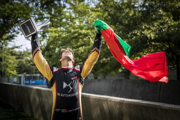 Antonio Felix da Costa (PRT), DS Techeetah, 2nd position, poses with his trophy