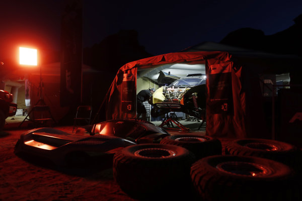 The ABT CUPRA XE work at night