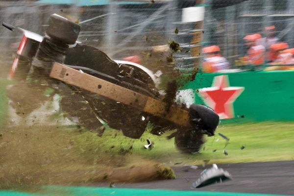 Marcus Ericsson, Alfa Romeo Sauber C37 suffered a big crash in FP2 at Monza