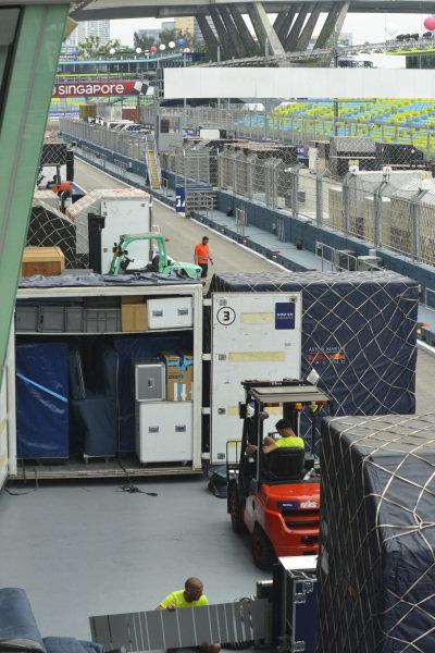 Forklift trucks unpack freight