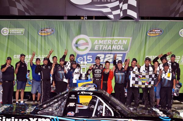 15-16 September, 2016, Joliet, Illinois USA Kyle Busch celebrates his win in Victory Lane ? 2016, Nigel Kinrade LAT Photo USA