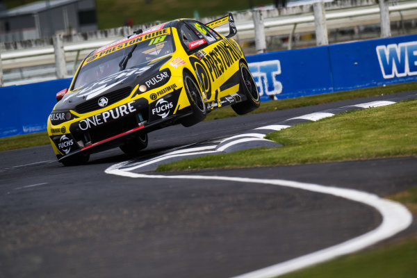 2017 Supercars Championship Round 14.  Auckland SuperSprint, Pukekohe Park Raceway, New Zealand. Friday 3rd November to Sunday 5th November 2017. Lee Holdsworth, Team 18 Holden.  World Copyright: Daniel Kalisz/LAT Images  Ref: Digital Image 031117_VASCR13_DKIMG_0926.jpg