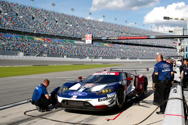2017 WeatherTech Sportscar Championship December Daytona Testing Wednesday 6 December 2017 #66 Ford Performance Chip Ganassi Racing Ford GT: Joey Hand, Dirk Müller, Sebastien Bourdais  World Copyright: Alexander Trienitz/LAT Images  ref: Digital Image 2017-IMSA-Test-Dayt-AT2-1027