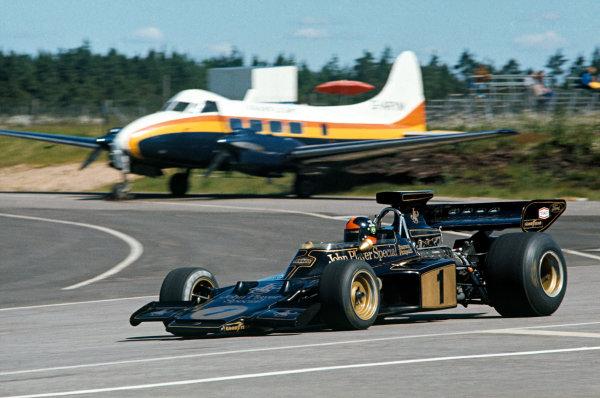 1973 Swedish Grand Prix.  Anderstorp, Sweden. 15-17th June 1973.  Emerson Fittipaldi, Lotus 72E Ford.  Ref: 73SWE29. World Copyright: LAT Photographic
