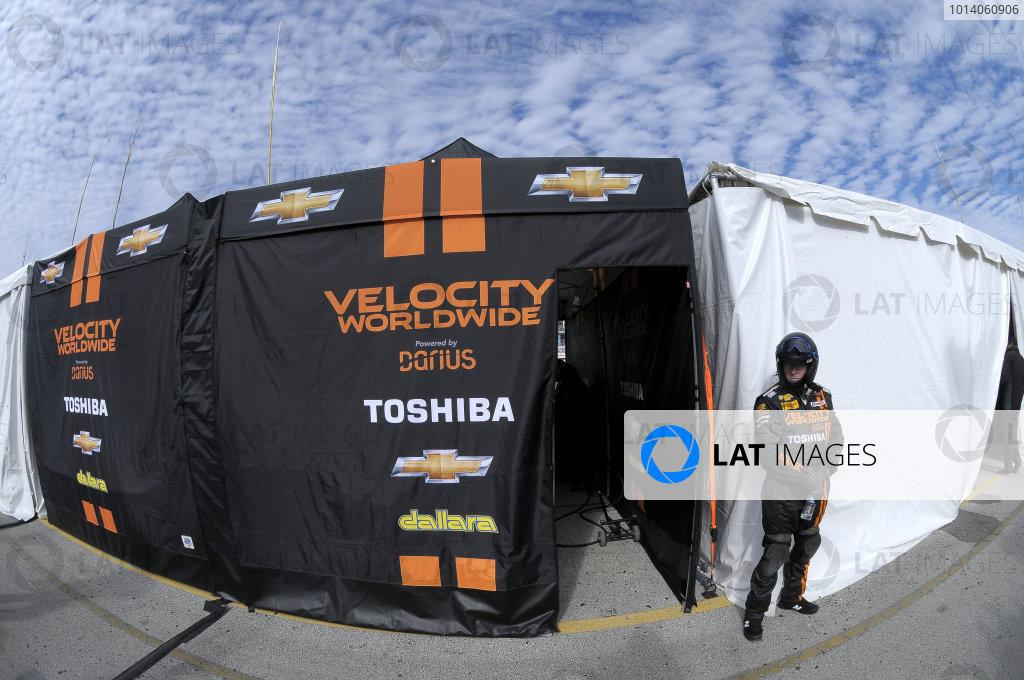 23-26 January, 2014, Daytona Beach, Florida USA All clear outside the Wayne Taylor Racing pit box. ©2014, Paul Webb LAT Photo USA
