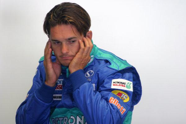 2004 Italian Grand Prix - Friday Practice,Monza, Italy. 10th September 2004 Giancarlo Fisichella, Sauber Petronas C23, portrait.World Copyright: Steve Etherington/LAT Photographic ref: Digital Image Only