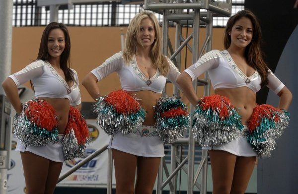 Cheerleaders from the Miami Dolphins NFL team. NASCAR Nextel Cup, Rd36, Homestead-Miami Speedway, Florida, USA, 20 November 2005. DIGITAL IMAGE