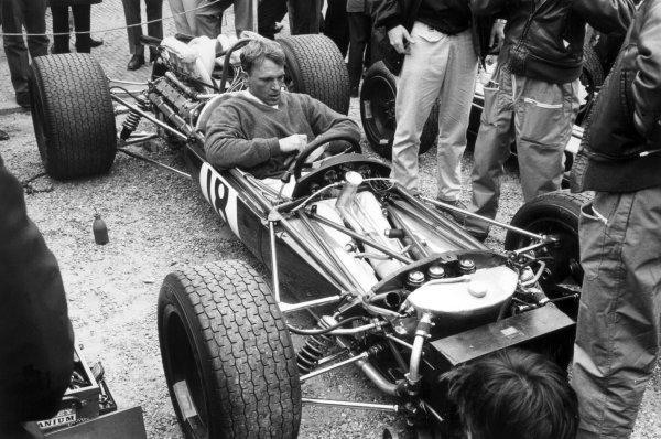 1968 Dutch Grand Prix.Zandvoort, Holland. 23 June 1968.Dan Gurney, Brabham BT24-Repco, retired, portrait.World Copyright: LAT PhotographicRef: Motor b&w print