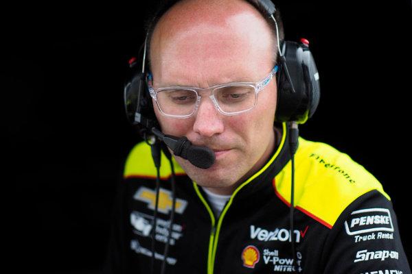 Simon Pagenaud, Team Penske Chevrolet engineer Ben Bretzman