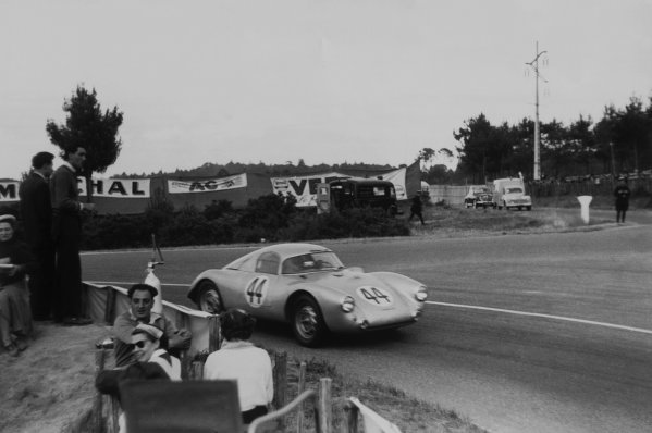 Le Mans, France. 13 - 14 June 1953.Helmut Glockler/Hans Herrmann (Porsche 550 Coupe), 16th position, action. World Copyright: LAT PhotographicRef: B/WPRINT.