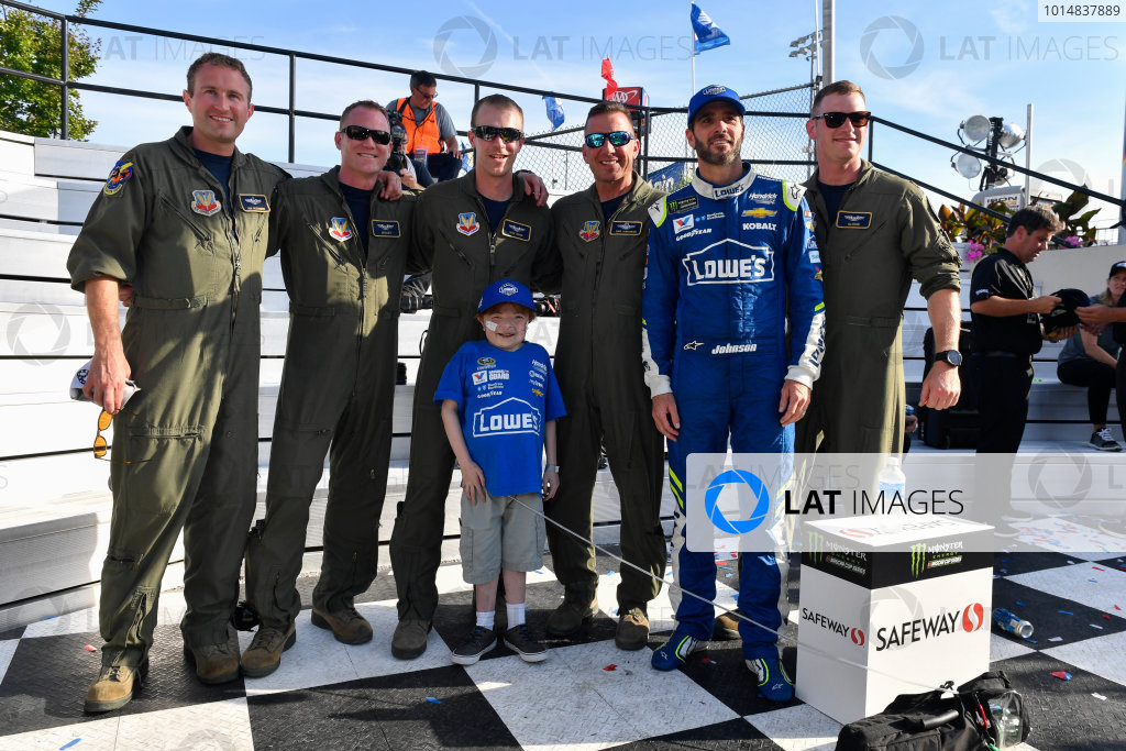 Monster Energy NASCAR Cup Series AAA 400 Drive for Autism Dover International Speedway, Dover, DE USA Sunday 4 June 2017 Jimmie Johnson, Hendrick Motorsports, Lowe's Chevrolet SS in victory lane World Copyright: Logan Whitton LAT Images ref: Digital Image 17DOV1LW3828