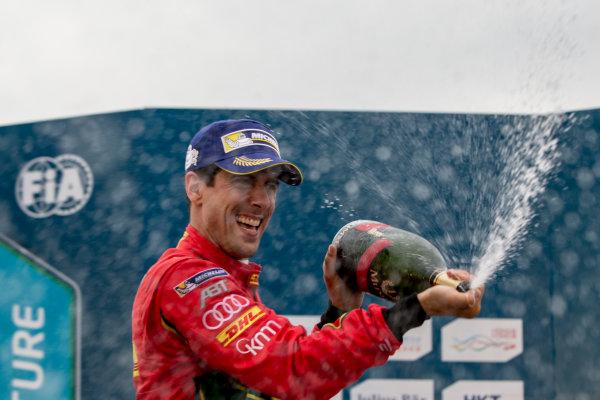 2016/2017 FIA Formula E Championship. Hong Kong ePrix, Hong Kong, China. Sunday 9 October 2016. Lucas Di Grassi (BRA), ABT Schaeffler Audi Sport, Spark-Abt Sportsline, ABT Schaeffler FE02.  Photo: Zak Mauger/LAT/Formula E ref: Digital Image _X0W2996
