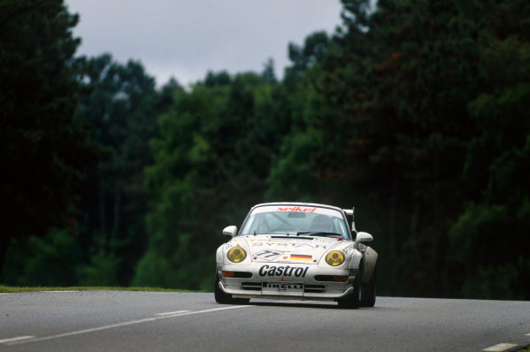 Le Mans, France. 17th - 18th June 1995. Guy Kuster/Karel Dolejsi/Peter Seikel (Porsche 911 GT2), 15th position, action. World Copyright: LAT Photographic.Ref:  95LM12.