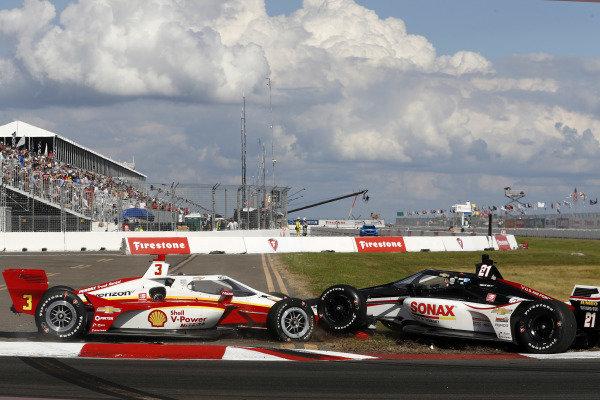 #3 Scott McLaughlin, Team Penske Chevrolet, #21 Rinus VeeKay, Ed Carpenter Racing Chevrolet crash in turn one