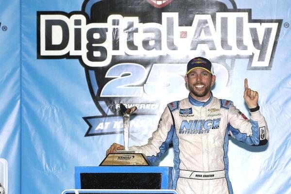 #45: Ross Chastain, Niece Motorsports, Chevrolet Silverado TruNorth/Paul Jr. Designs celebrates in victory lane