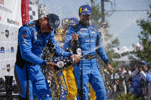 #86 Meyer Shank Racing w/ Curb-Agajanian Acura NSX GT3, GTD: Mario Farnbacher, Trent Hindman, Champagne