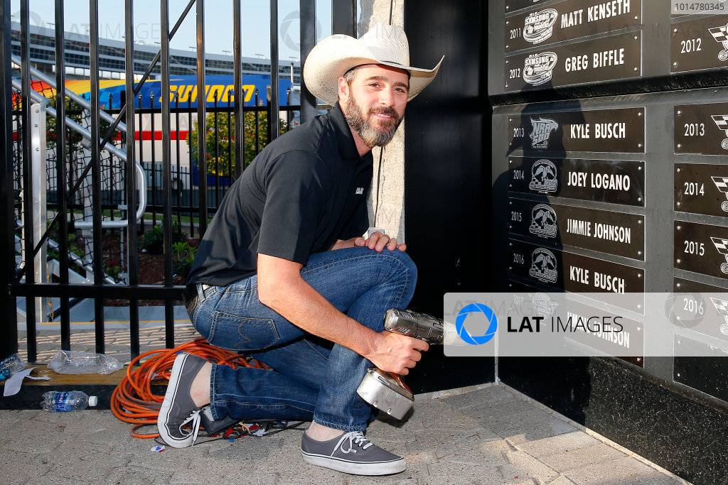 2017 Monster Energy NASCAR Cup Series O'Reilly Auto Parts 500 Texas Motor Speedway, Fort Worth, TX USA Sunday 9 April 2017 Jimmie Johnson celebrates in victory lane  World Copyright: Russell LaBounty/LAT Images ref: Digital Image 17TEX1rl_5532