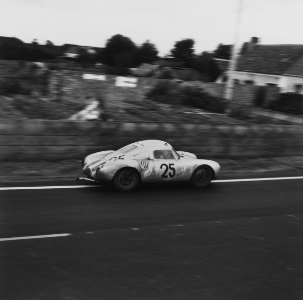 Le Mans, France. 28th - 29th July 1956.Richard von Frankenberg/Wolfgang von Trips (Porsche 550A RS Coupe), 5th position, action. World Copyright: LAT Photographic.Ref: 636.