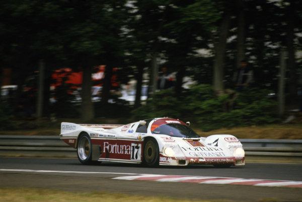 Le Mans, France. 31st May - 1st June 1986.Oscar Larrauri/Joel Gouhier/Jesus Pareja (Porsche 962C), 2nd position, action. World Copyright: LAT Photographic.Ref: 86LM08.
