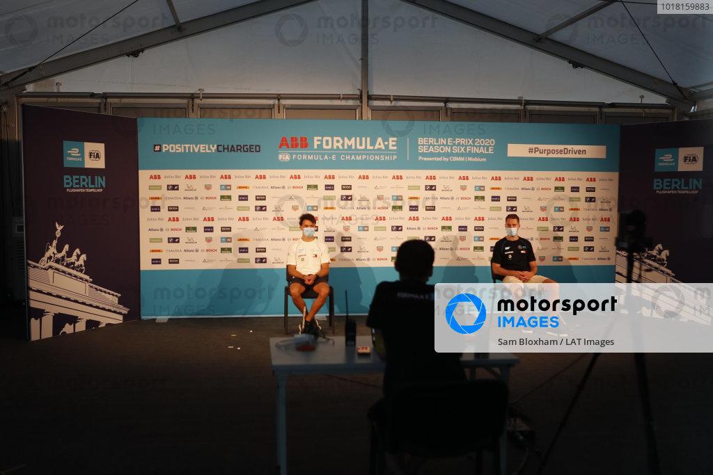 Stoffel Vandoorne (BEL), Mercedes Benz EQ and Nyck de Vries (NLD), Mercedes Benz EQ