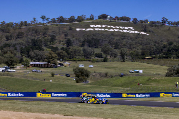 Mark Winterbottom, Team 18, Holden Commodore, ZB