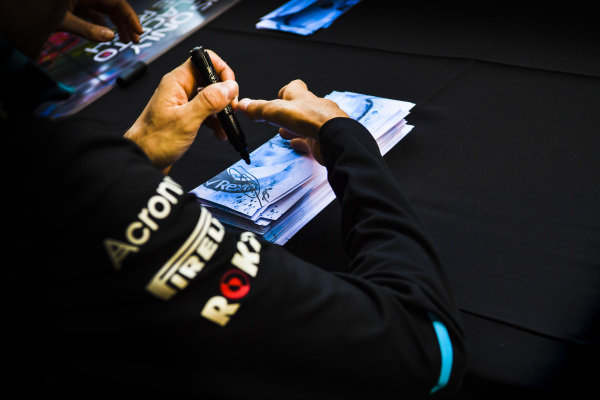 Robert Kubica, Williams Racing signs autographs for fans