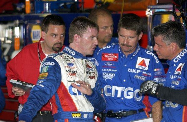 2002 NASCAR,Dover Downs,Sept 20-22, 20022002 NASCAR, Dover,Del . USA -Jeff Burton going over car hanling with his crew,Copyright-Robt LeSieur2002LAT Photographic